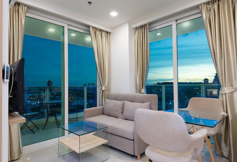 Sea View High Floor Balcony | Kitchen | Free WIFI | Gym | Washing Machine, פטיה, City Garden Tower 2317 -Sea View | City View | Mountain View | Swimming Pool, אזור מגורים