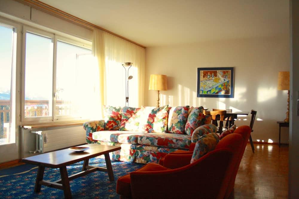 Family Apartment, 4 Bedrooms, Non Smoking, Kitchen - Living Area