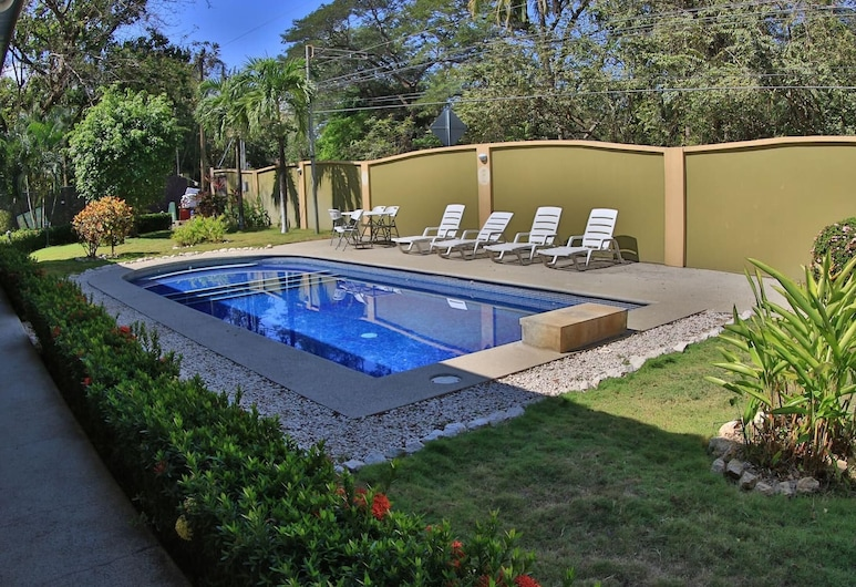 Nicely Priced Hotel Room With 2 Beds in Potrero With Pool - TV and AC, Потреро