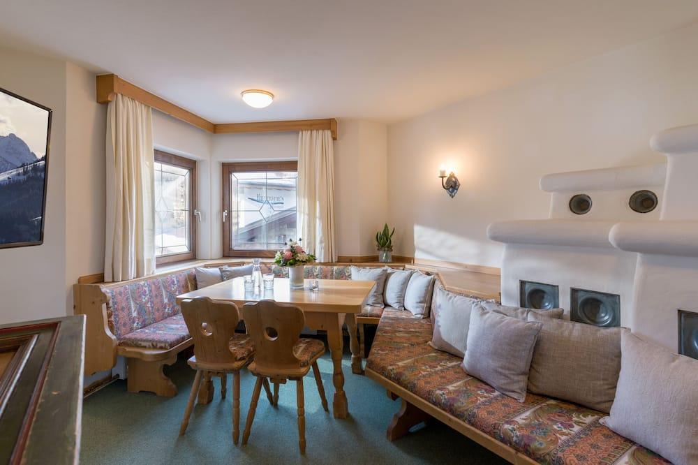 Apartment, Annex Building - In-Room Dining