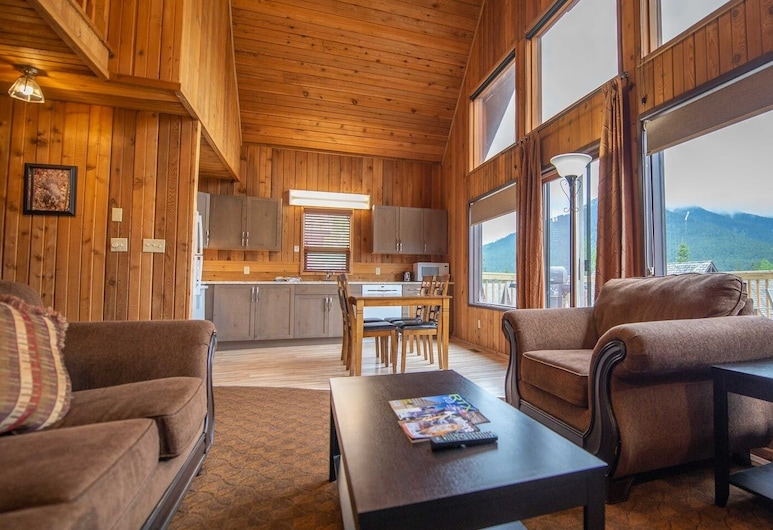 2 Bedroom Mountain Retreat-indoor Pool & Sauna, Canmore, Living Room