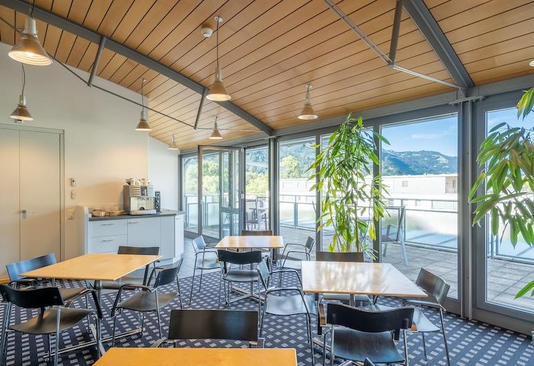 Hotel Artos Interlaken, إنترلاكن, منطقة تناول وجبات الإفطار