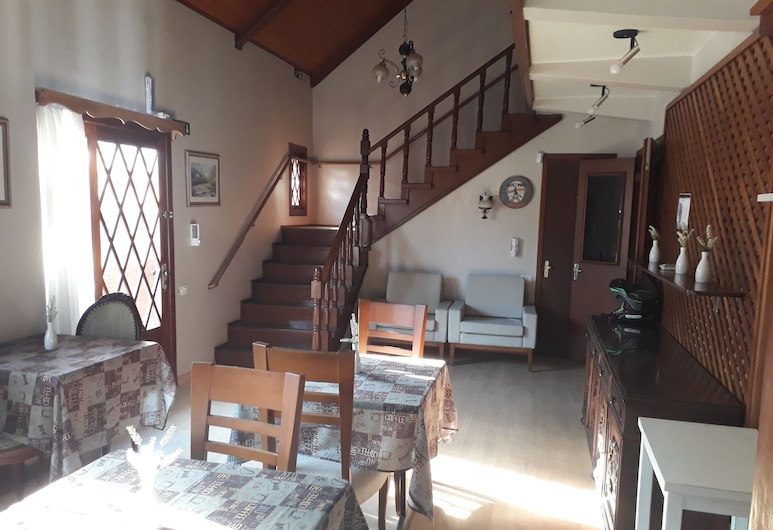 Apartamento 205 - Gramado Temporada - Wi Fi Gratis, Gramado, Living Room