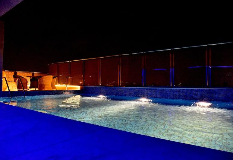 Grand Silverton Hotel, Al Khobar, Відкритий басейн
