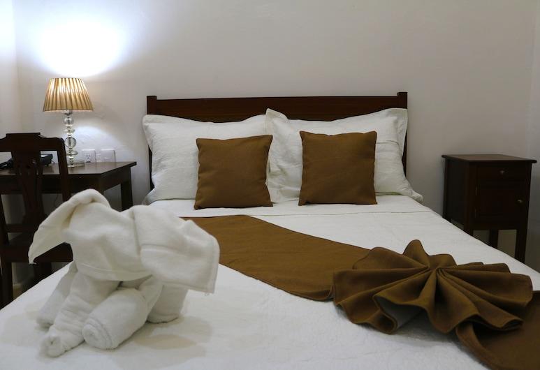 Hotel El Navegante, Campeche, Habitación doble tradicional, Varias camas, balcón, Habitación