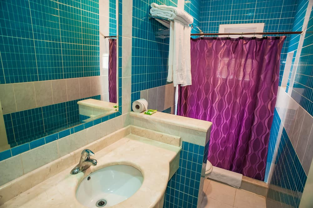 Double Room, 1 Double Bed (Hab 1) - Bathroom