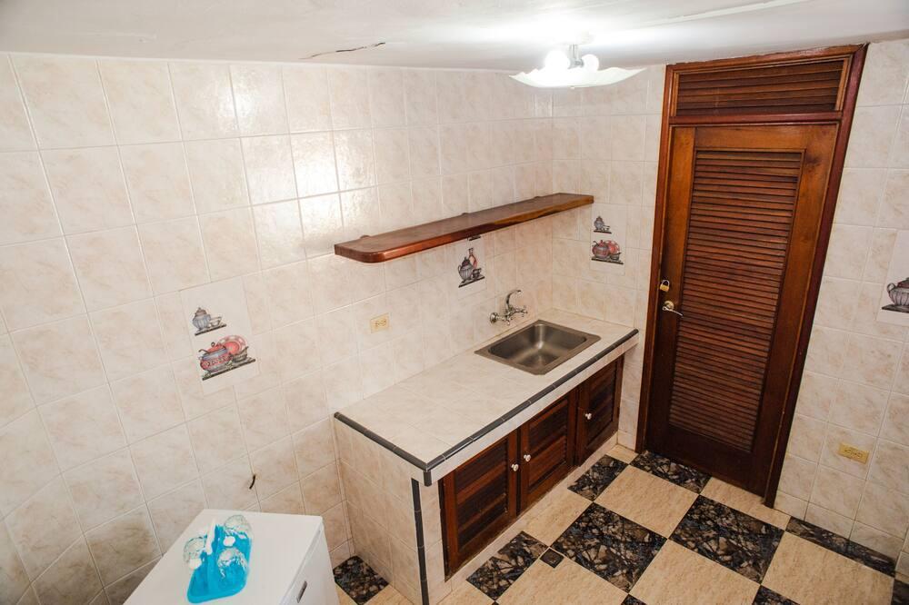 Quarto Duplo, 1 cama king-size (King Size Bed) - Cozinha partilhada
