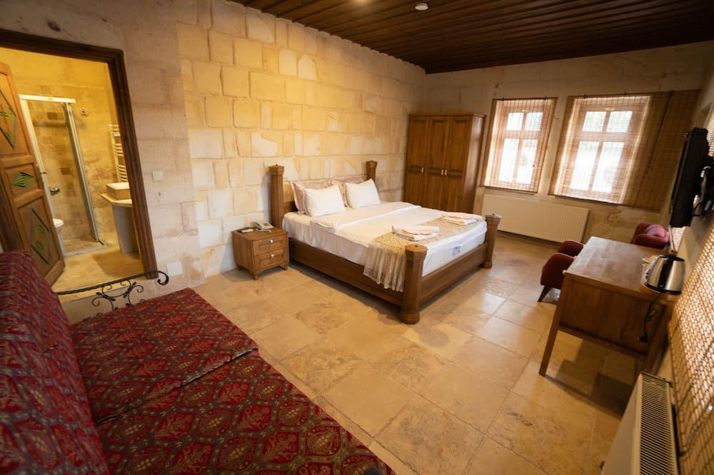 Comfort Room, 1 Double Bed - Living Area