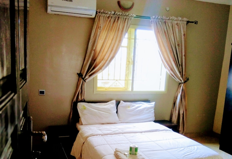 Unifirst hotel and suites, Ibadanas