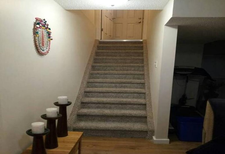 Beautiful Furnished Basement Suite In Airdrie, Airdrie