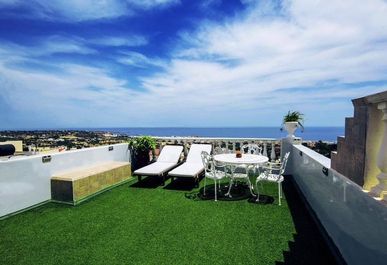 We Offer A Pleasant Holiday In A Beautiful Setting, Hersonissos, Balkón