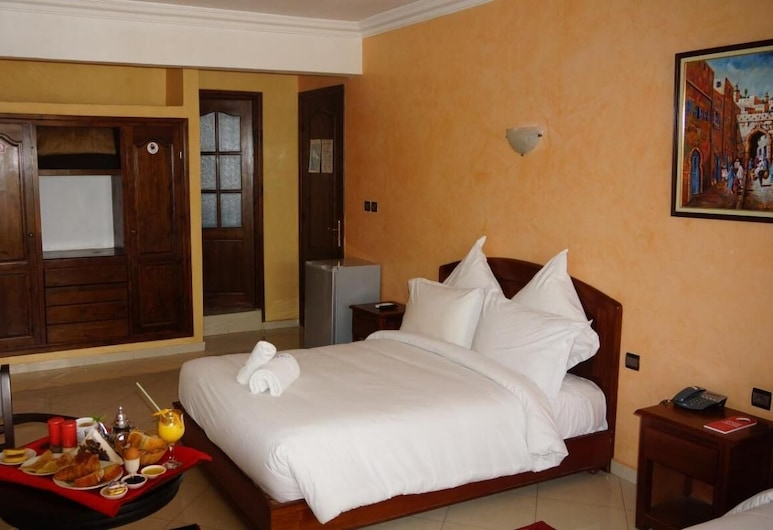 Cosy Room for 3 Persons in the Hotel Riad Asfi, Safi