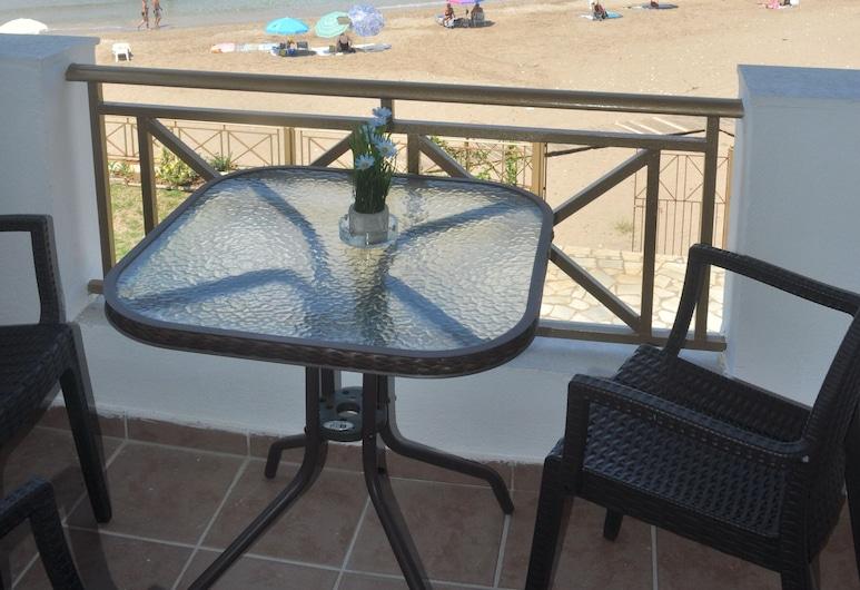 Beachfront Holiday Apartments in Agios Gordios, Corfu, Corfu Town, Balkón