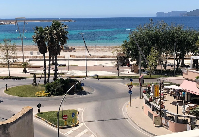 Alghero, Lighthouse Penthouse With sea View and Beach Front, Alghero, Pláž