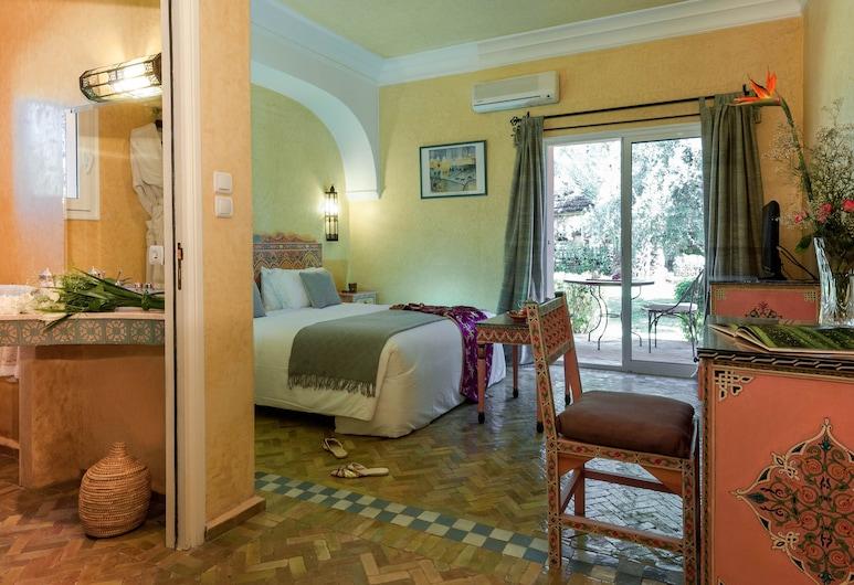 Double Room in a Charming Villa in the Heart of Marrakech Palm Grove, Marrakech, Varios