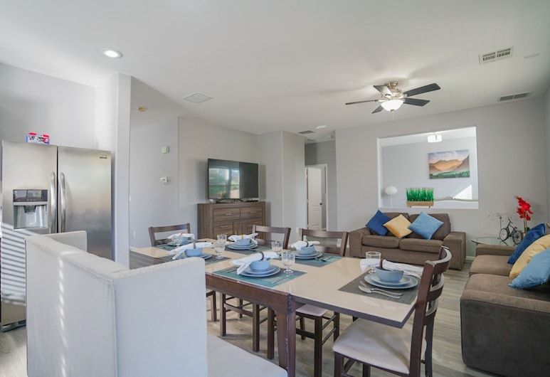 Ultra Modernhome20minfrom the Stripextra Clean, North Las Vegas