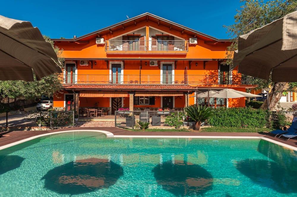 Bb La Mortella With Pool