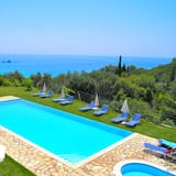 Luxury Apartment in Pelekas Beach With Pool Adonis, Corfu