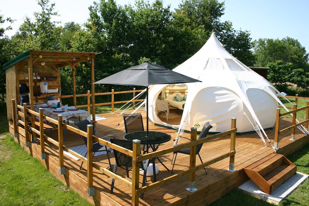 Luxury Glamping In The Dordogne In A Lotus Belle Stargazer Tent