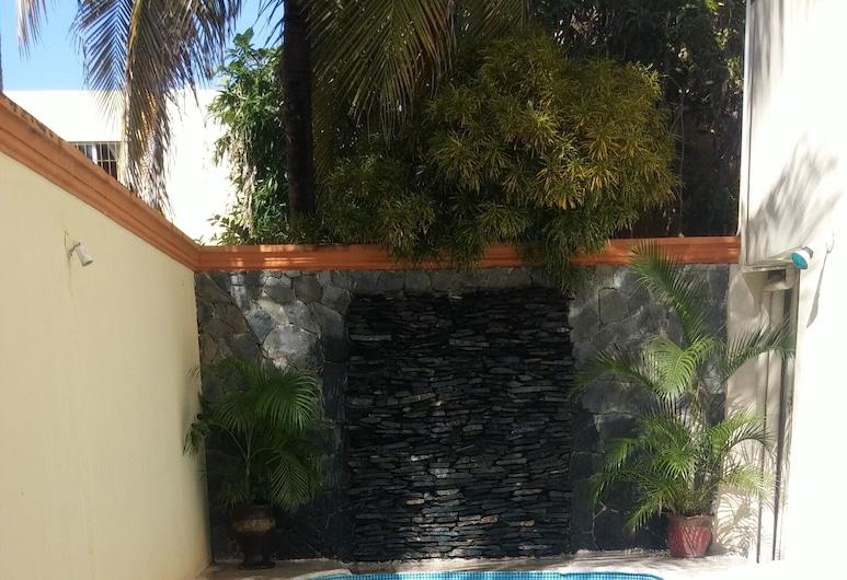 Jyd Atlantida With Swimming Pool, سانتو دومينجو, حمام سباحة