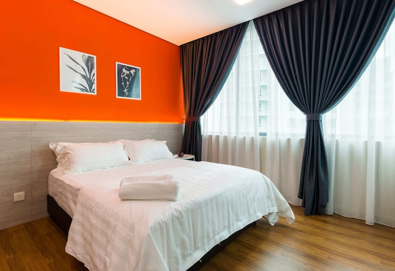 Bright 3 Queen Bed Condo Walk to KL Tower, Kuala Lumpur
