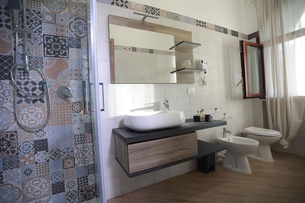 Deluxe Double Room, Garden View (Circe) - Bathroom