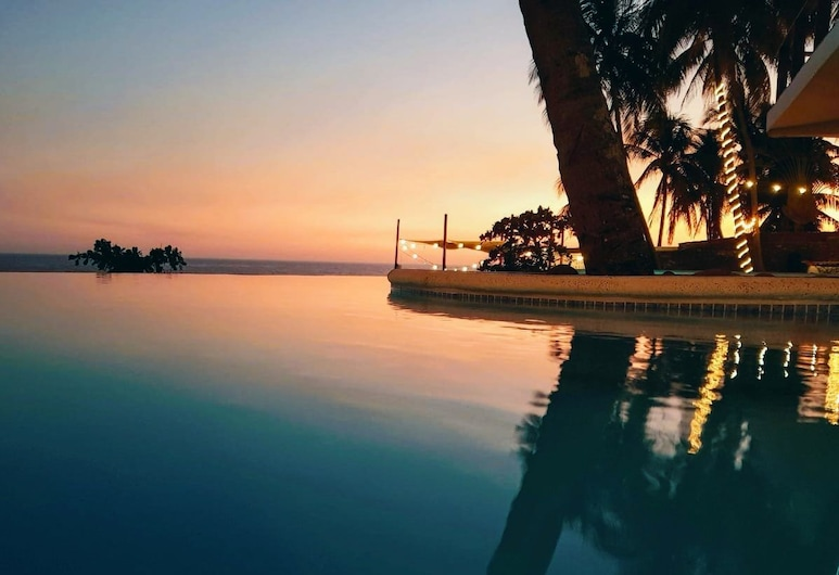 Reef On The water, La Libertad, Açık Yüzme Havuzu