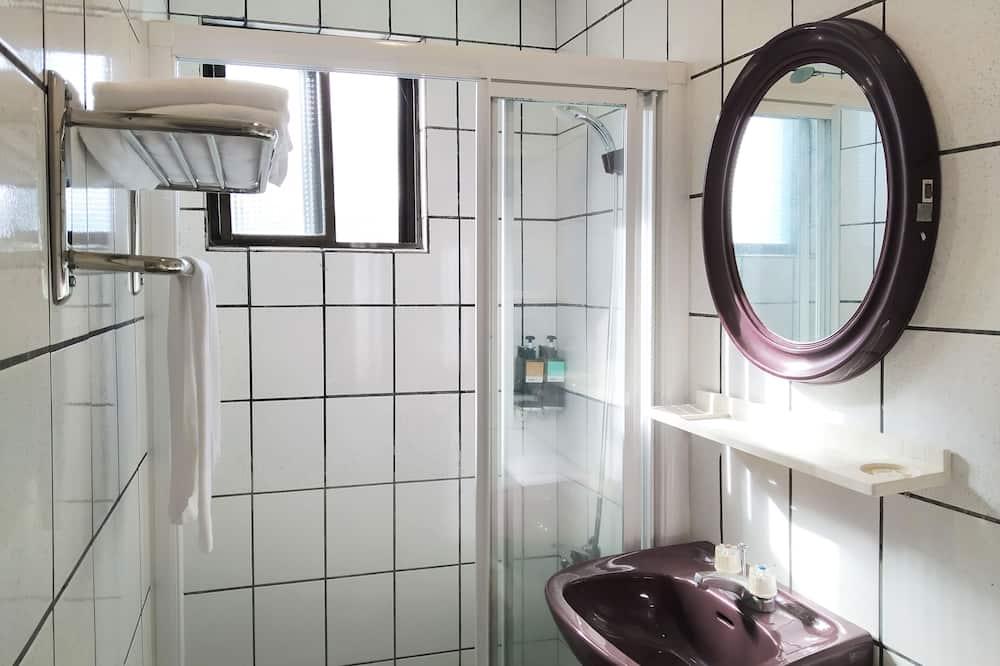Comfort-herbergi með tvíbreiðu rúmi - Baðherbergi