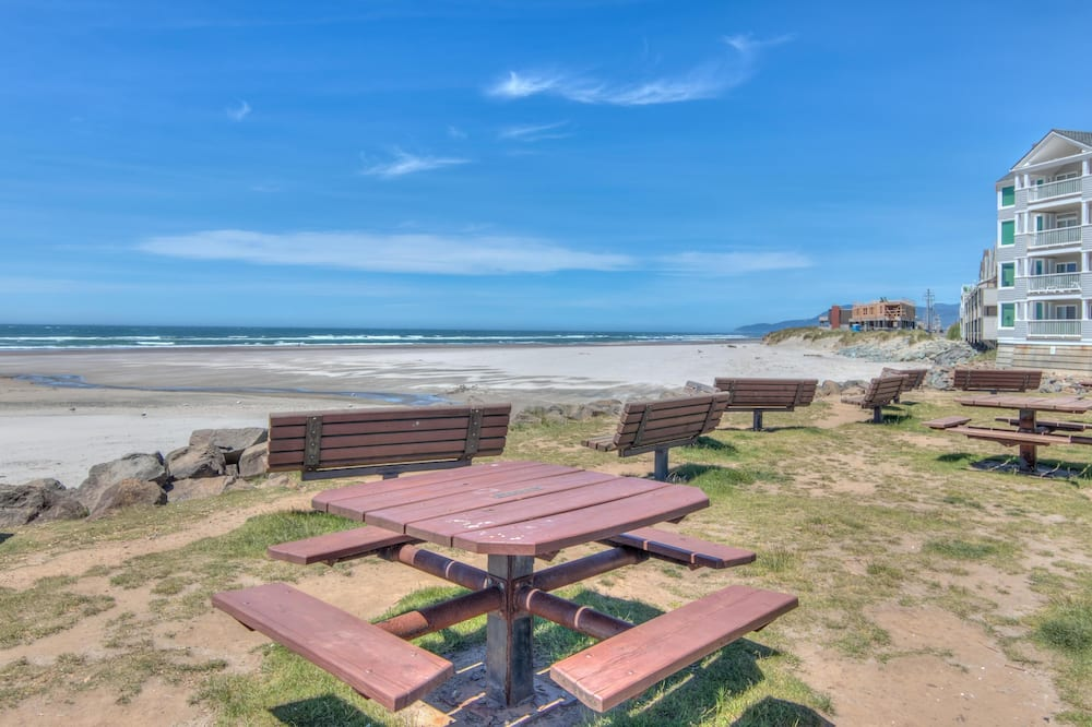 Коттедж, Несколько кроватей, вид на море (Seaview Rockaway) - Пляж