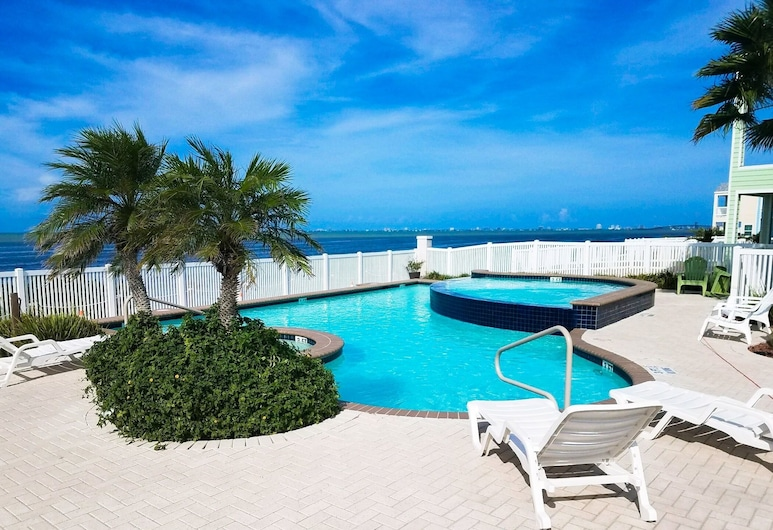 Stylish Las Joyas W/ Pool, Pier & Palapa 2 Bedroom Home, Port Isabel, Maja, 2 magamistoaga, Bassein