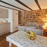Dophin Cottage 1736