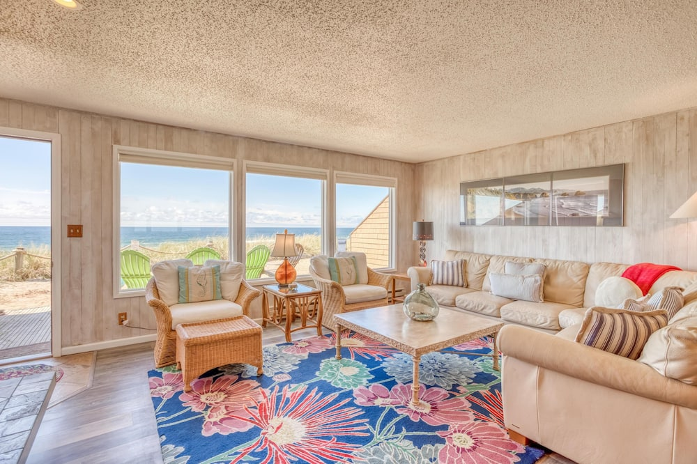 Townhome, Multiple Beds (Breakers Beach House #3) - Living Room