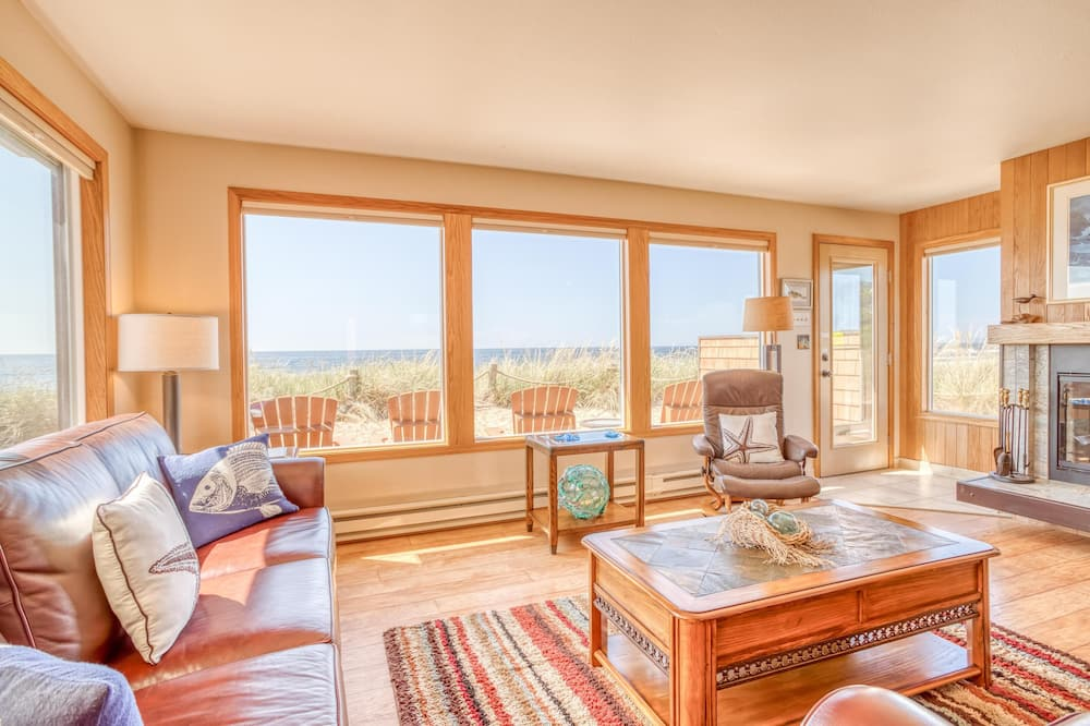 Townhome, Multiple Beds (Breakers Beach House #9) - Living Room