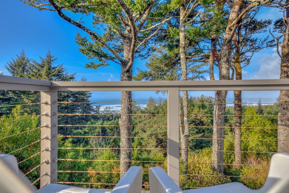 House, Multiple Beds (Honey Home) - Balcony