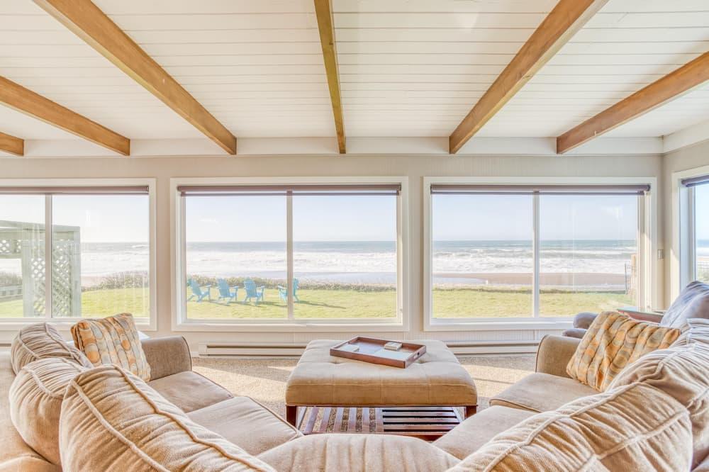 Kuća, Više kreveta (Million Dollar View) - Dnevna soba