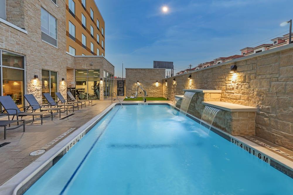 Fairfield Inn & Suites by Marriott Houston East Energy Corridor