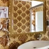 Theme Couple Room - Bathroom
