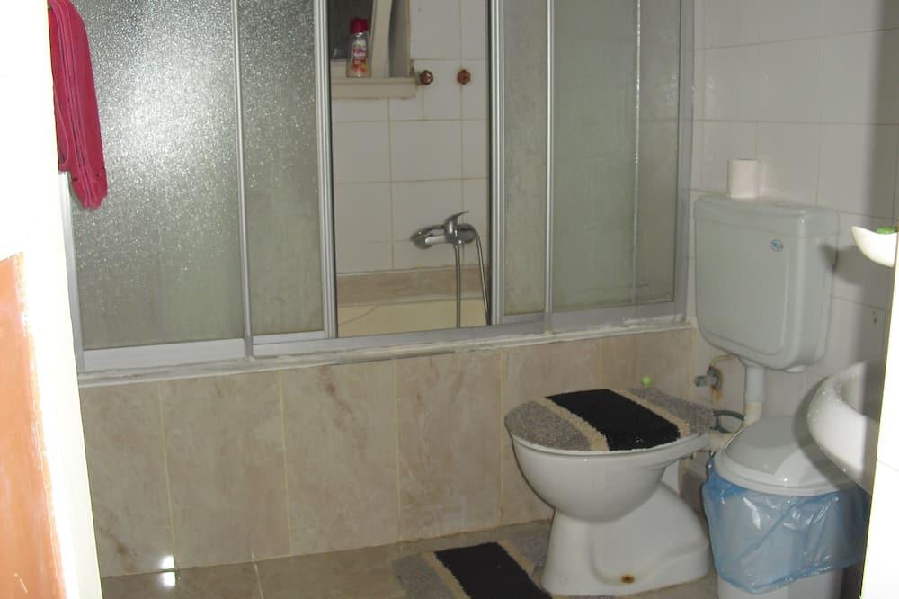 Trojlôžková izba - Spoločná kúpeľňa