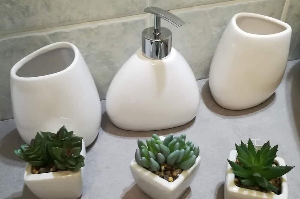 Studio, Makuuhuoneen yhteydessä oleva kylpyhuone, Näköala puutarhaan - Kylpyhuone