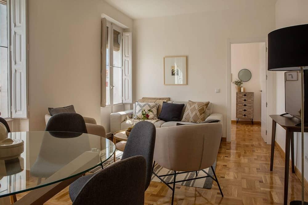 Apartmán (4 Bedrooms) - Obývačka