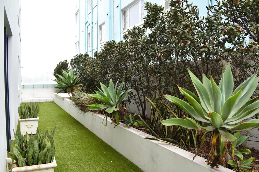 Apartment (3 Bedrooms) - Property Grounds