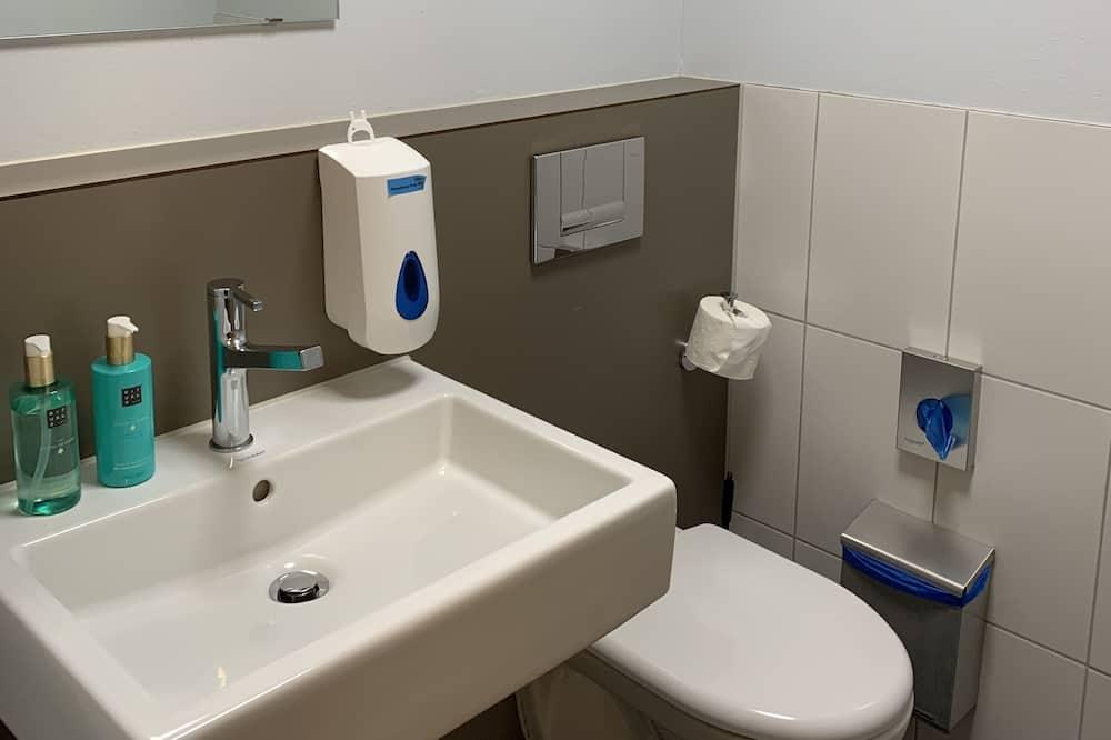Habitación cuádruple básica - Baño