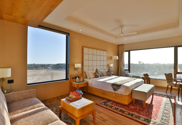 The Square Somnath, Veraval, Deluxe Double Room, Living Room