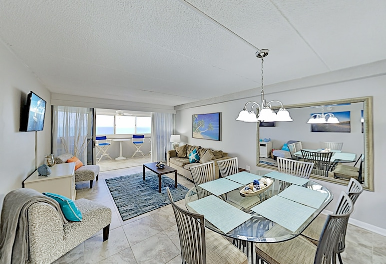 Stylish Beachfront Condo With Pool - Steps to Sand - 3 Bedroom Condo, โอเชียนซิตี้