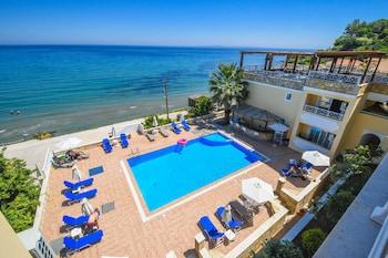Picture of Nefeli Beach Hotel in Zakynthos