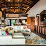 Namas, Kelios lovos (Casa Serena) - Svetainė