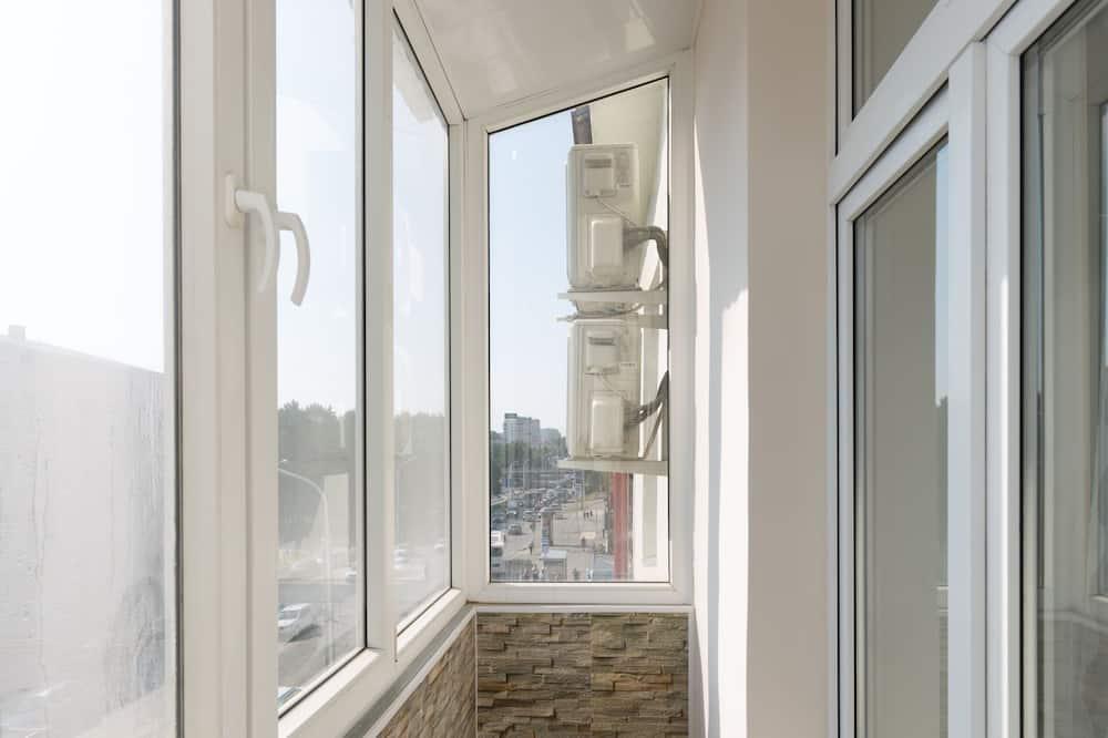 Design Apartment, 2 Bedrooms - Balcony View