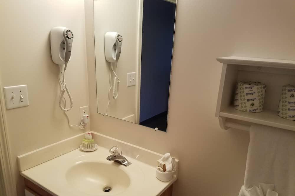 Phòng đơn cơ bản - Phòng tắm