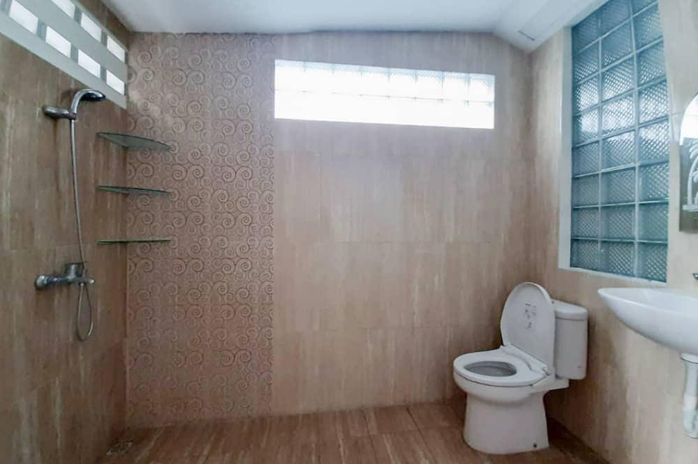 Стандартный номер (Reddoorz) - Ванная комната