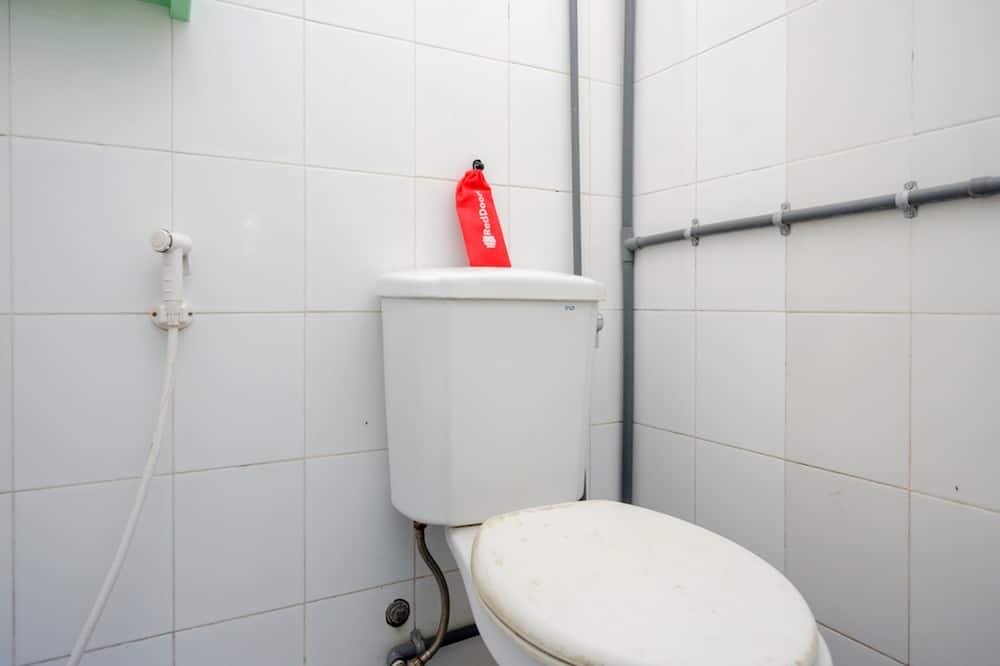 Economy-dobbeltværelse (Reddoorz) - Badeværelse